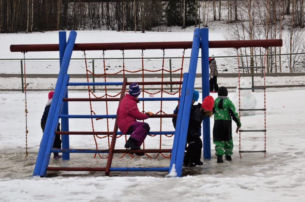 skolgården - klätterställning